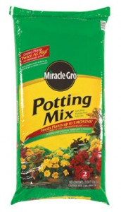 Miracle Gro Potting Mix with Fertilizer